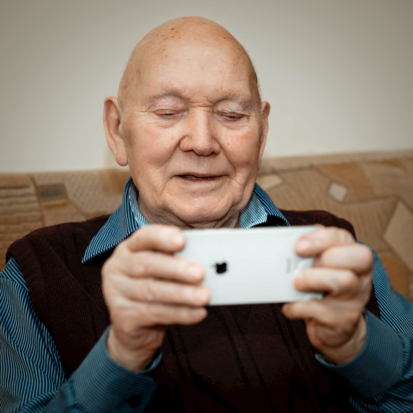 older parents using technology